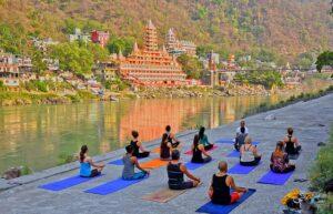 Wat is yoga? En waar komt het eigenlijk vandaan?