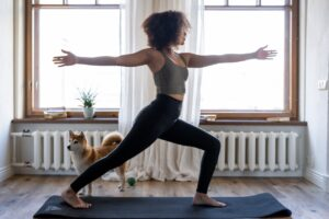 Online yoga: Wat zijn de leukste & beste online yoga lessen? (Mis ze niet!)